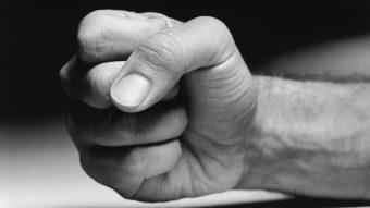 Våld i nära relationer – äldre personer